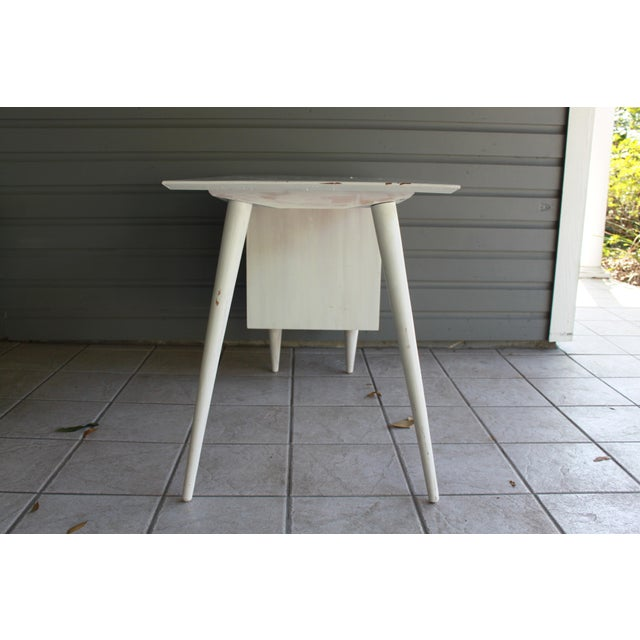 Mid-Century Modern Atomic White Writing Desk - Image 4 of 6