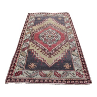 1940s Vintage Turkish Area Rug - 3′10″ × 5′10″ For Sale