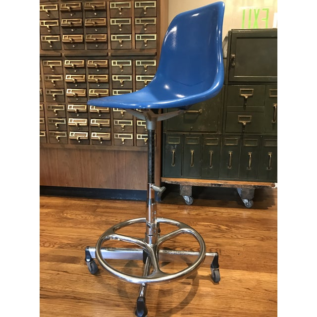 Vintage Architectural Scoop Stools - Set of 5 - Image 4 of 6