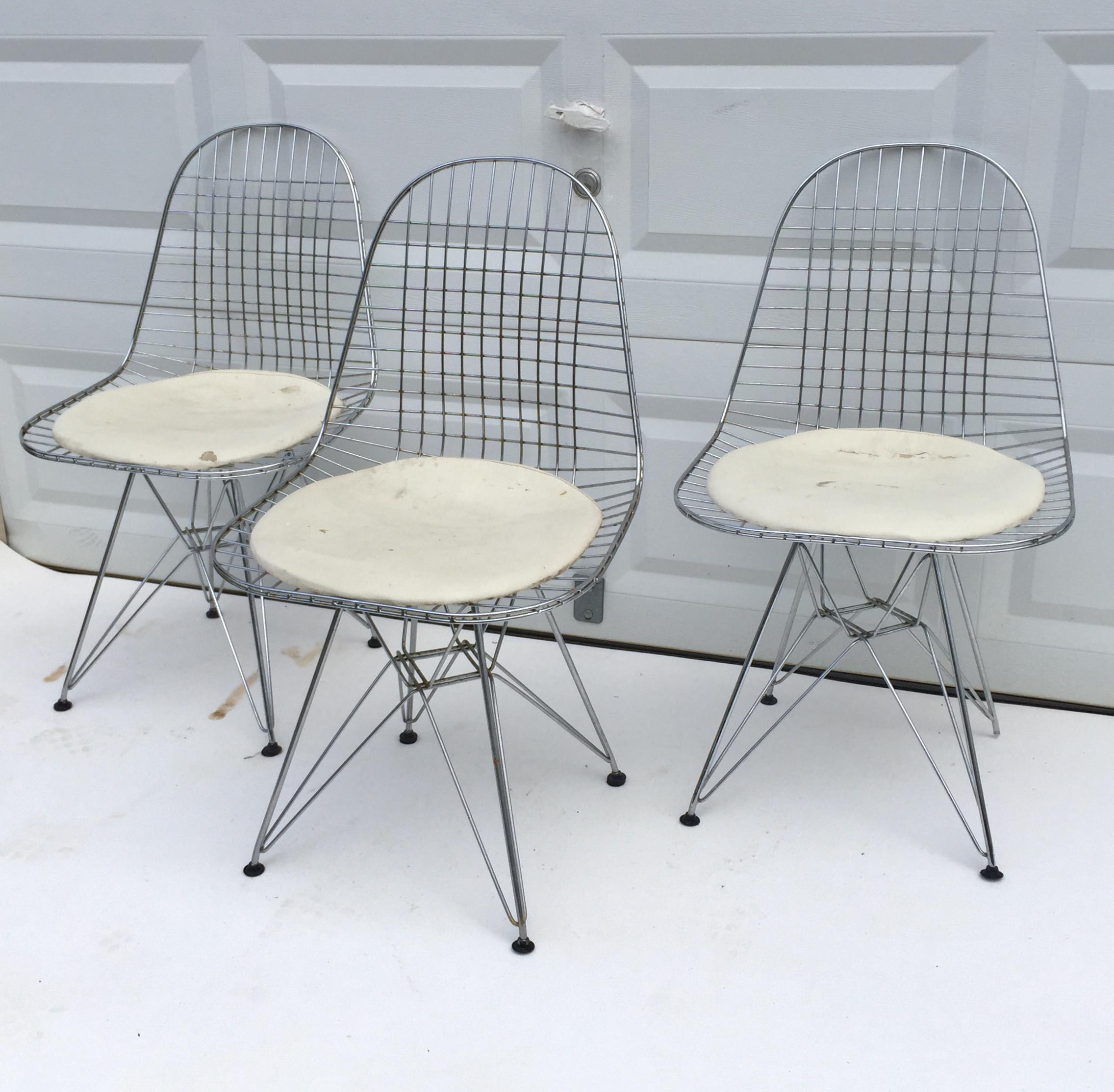 This Set Of Three Vintage Wire Dining Chairs Features Eames Style Eiffel  Pyramid Bases With Single