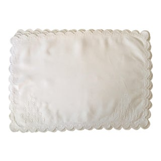 White Linen Placemats - Set of 4 For Sale