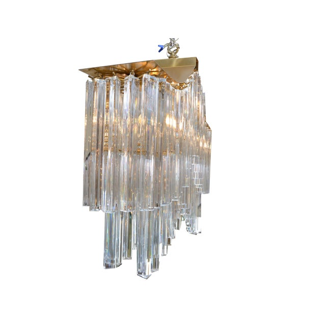 Pagoda Chandelier in Crystal and Brass For Sale In Miami - Image 6 of 13