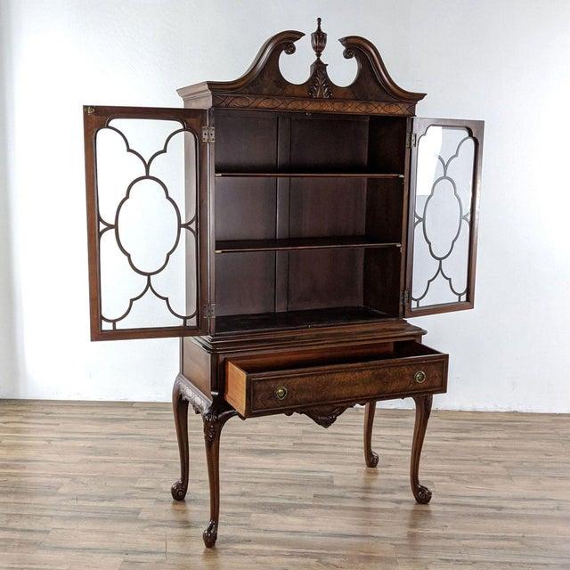 Berkey & Gay 1920s Berkey & Gay Mahogany China Cabinet For Sale - Image 4 of 8