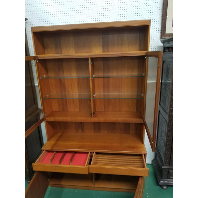 Mid Century Modern McIntosh China Cabinet For Sale - Image 4 of 8