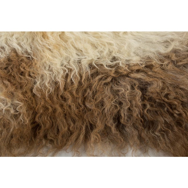 """Contemporary Long Soft Wool Sheepskin Pelt Rug - 2'0""""x3'7"""" For Sale In Chicago - Image 6 of 7"""