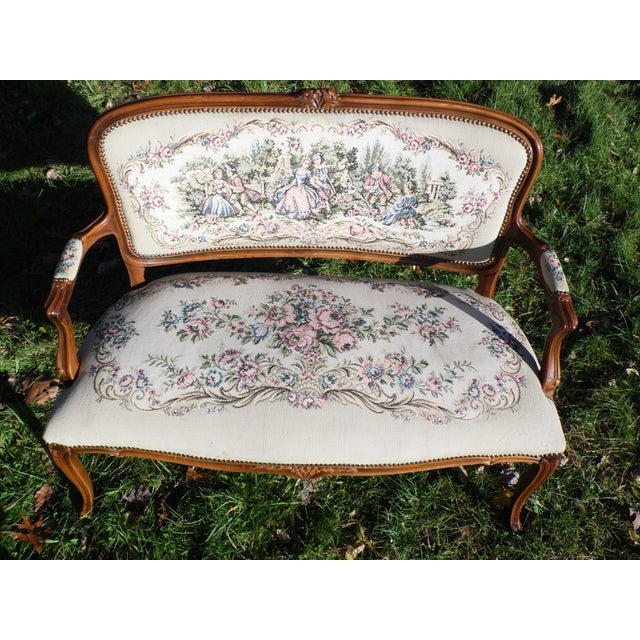 Vintage French Provincial Louis XV Style Tapestry Settee Chateau d'Ax Italy For Sale In Providence - Image 6 of 13