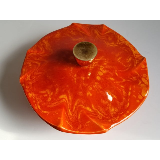 1950s Mid-Century Modern California Pottery Casserole Dish For Sale - Image 5 of 12