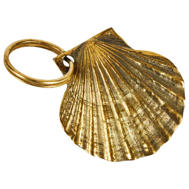 Carl Auböck Model #5663 'Shell' Brass Figurine Keyring For Sale