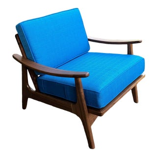 Don Yacovella Mid Century Style Lounge Chair For Sale
