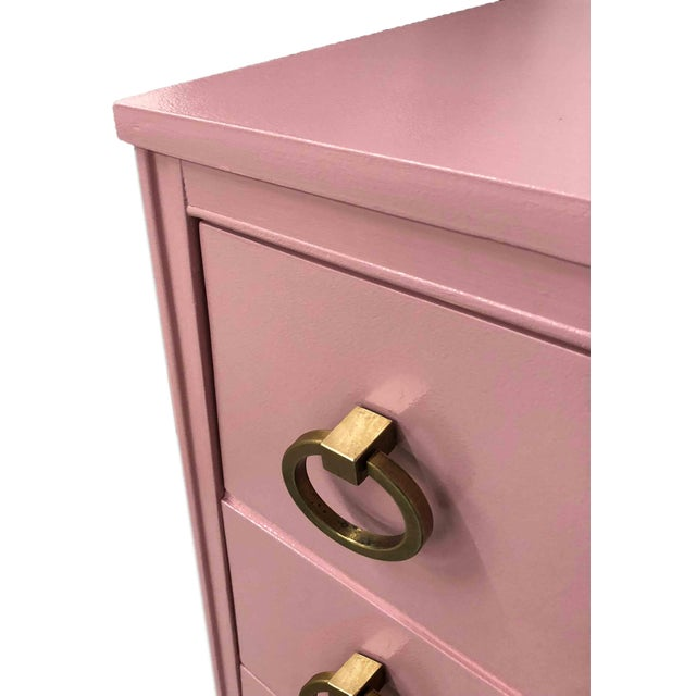 Hollywood Regency 1960s Mid-Century Modern Pink Ring Pull Chest by Broyhill For Sale - Image 3 of 10