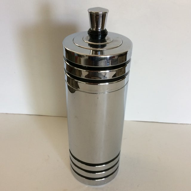 Art Deco 1930's Art Deco Chase Gaiety Chrome Cocktail Shaker For Sale - Image 3 of 9