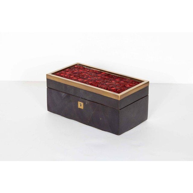 2000s Organic Modern Decorative Box in Lacquered Pen Shell and Exotic Red Feathers For Sale - Image 5 of 9