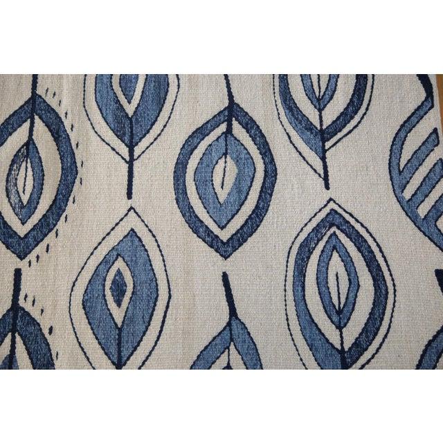 """New Flower & Leaf Blue Kilim Rug - 4'8"""" X 6' - Image 5 of 8"""