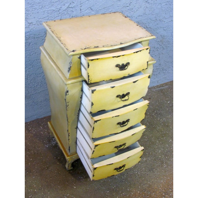 Short Yellow Chest of Drawers - Image 4 of 5