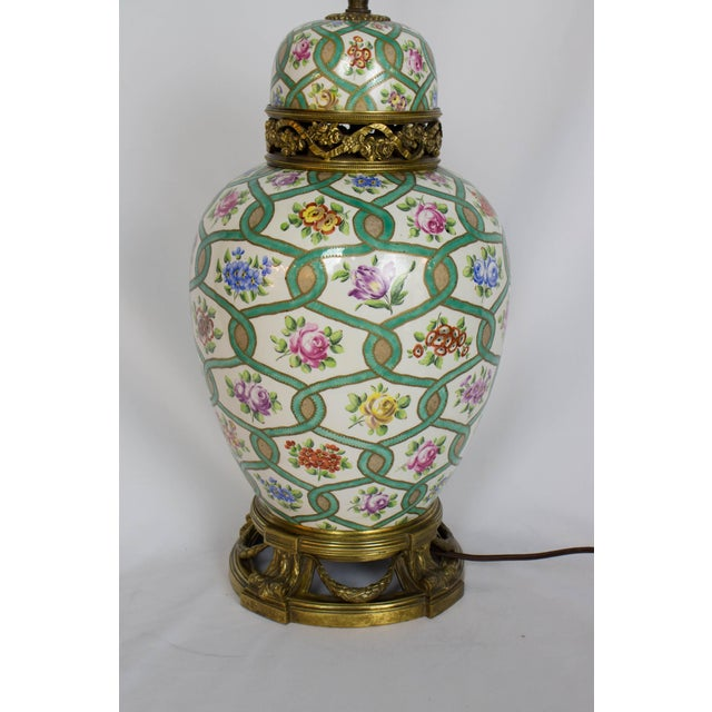 Early 20th Century Restored Antique Green and White Chintz Table Lamp For Sale - Image 5 of 9