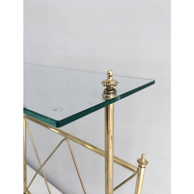 1940s French Brass and Glass Magazine Rack, Attributed to Maison Jansen For Sale In New York - Image 6 of 11