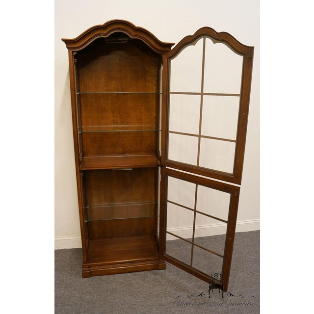 """Jasper Cabinet St. Albans Collection 28"""" Display Curio Cabinet 338-1 For Sale - Image 4 of 12"""