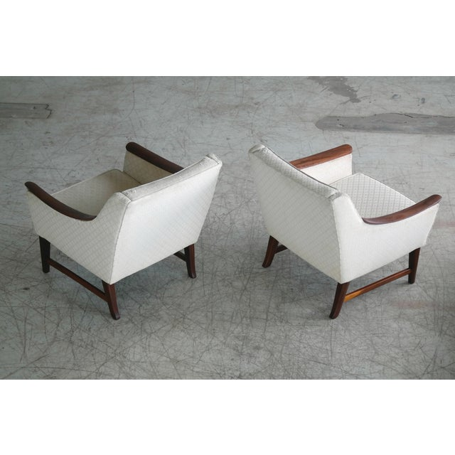 Danish Midcentury Pair of Lounge Chairs in Walnut in the Style of Ole Wanscher For Sale In New York - Image 6 of 10