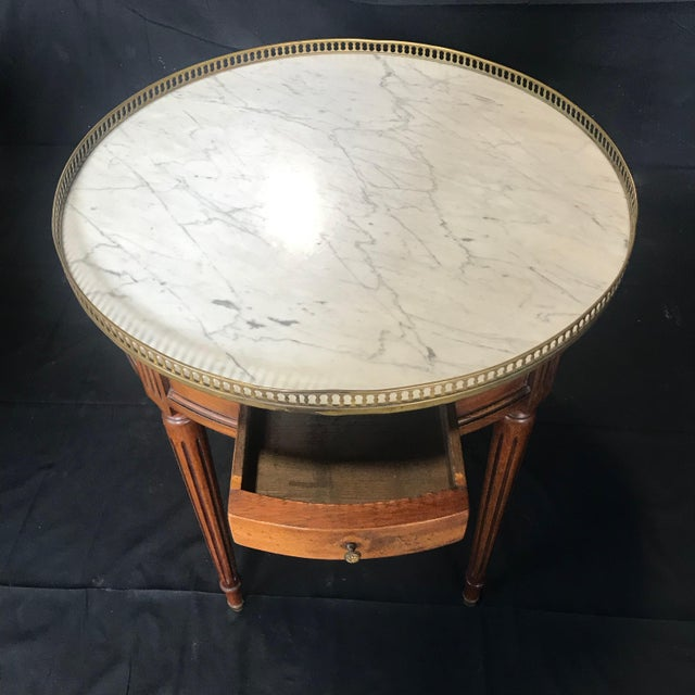 French Louis XVI Style Marble Top and Walnut Bouillotte Side Table For Sale - Image 11 of 13