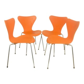 Arne Jacobsen for Fritz Hansen Series 7 Chairs - Set of 4 Mid Century Modern For Sale