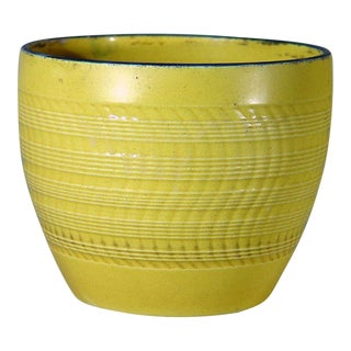 Canary Yellow Engine-Turned Pearlware Pottery Cache Pot, Circa 1810. For Sale