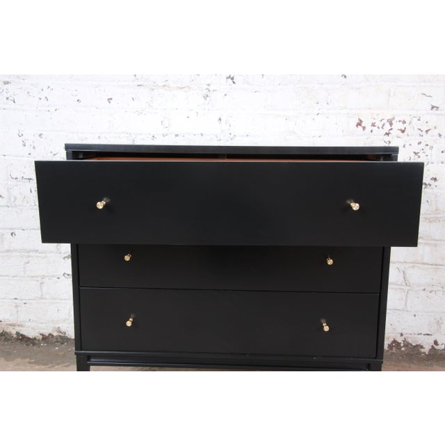 Black Paul McCobb Planner Group Black Lacquered Three-Drawer Bachelor Chest, Newly Restored For Sale - Image 8 of 13