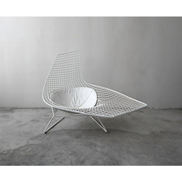 White Authentic Knoll Bertoia Asymmetric Chaise For Sale