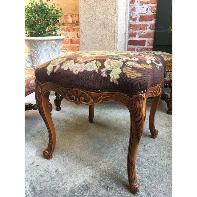 1900s Antique French Carved Oak Stool/Bench For Sale In Dallas - Image 6 of 10