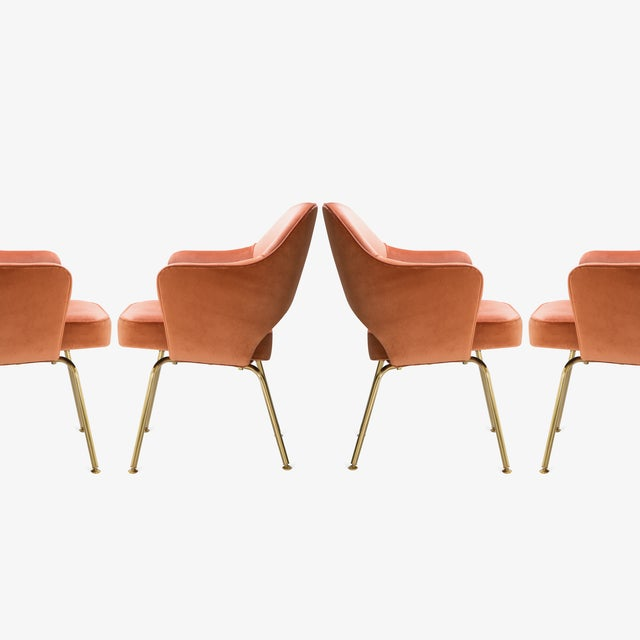 Knoll Saarinen Executive Arm Chairs in Rust Velvet, 24k Gold Edition - Set of 6 For Sale - Image 4 of 8