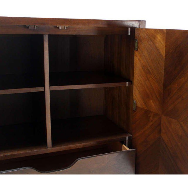 Mid-Century Modern Walnut Gentlemen's High Chest Chifferobe Armoire For Sale In New York - Image 6 of 10