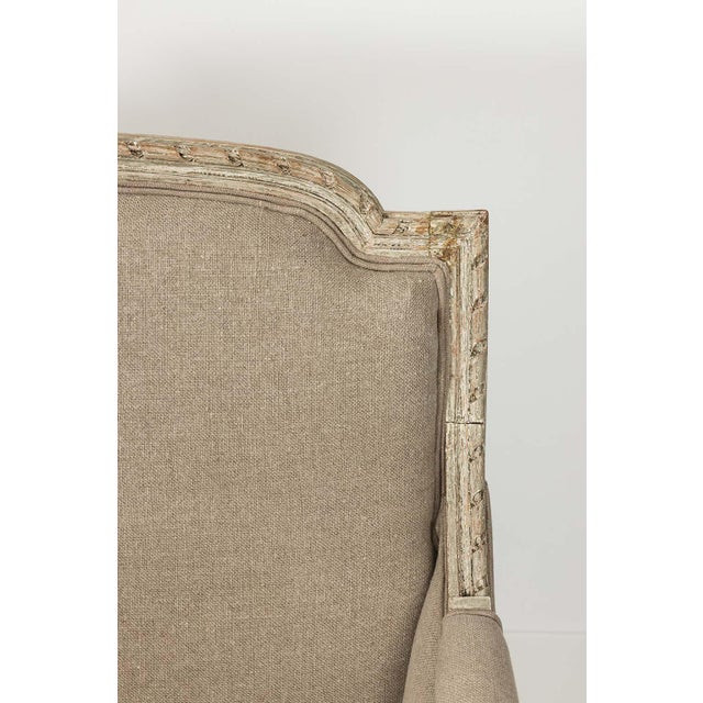 French French Louis XVI Style Marquise Loveseat in Natural Linen For Sale - Image 3 of 13
