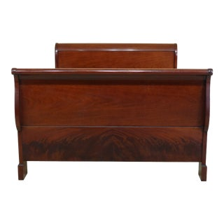 Kindel National Trust Historic Preservation Queen Size Mahogany Sleigh Bed For Sale