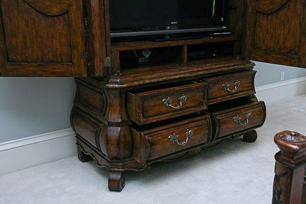 Exceptionnel Marge Carson Bordeaux Oxford Armoire   Image 5 Of 7