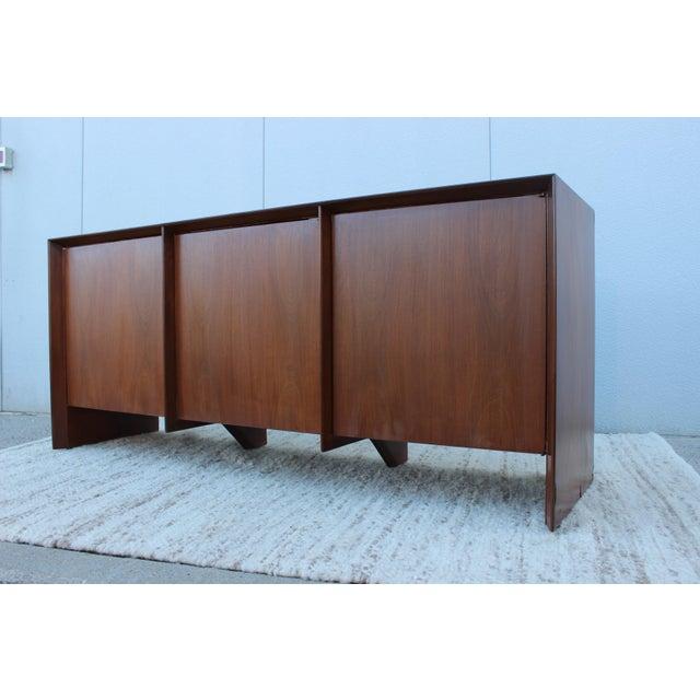 Mid-Century Modern Robsjohn-Gibbings Modernist Walnut Credenza For Sale - Image 3 of 13