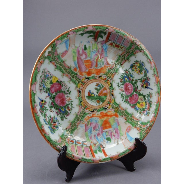 Gorgeous Antique Chinese Export Rose Medallion Serving Bowl - Image 2 of 11