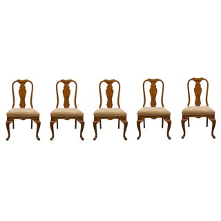 Late 20th Century Bernhardt Solid Pecan Queen Anne Side Dining Chairs- Set of 5 For Sale