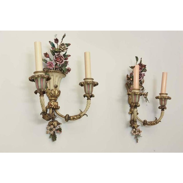 Early 20th Century Pair of Finely-Made Floral Urn Form Wall Sconces, Early 20th Century For Sale - Image 5 of 8