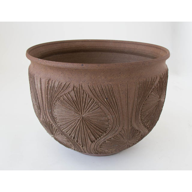 "Robert Maxwell Earthgender Bowl Planter in ""Teardrop Sunburst"" Pattern - Image 6 of 7"
