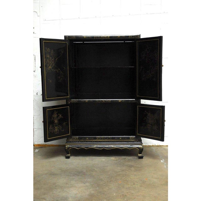 Chinese Export Gilt Lacquered Cabinet on Stand For Sale - Image 4 of 11