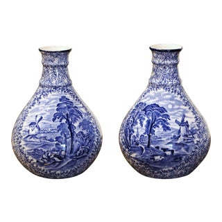 Pair of Early 20th Century English Blue and White Painted Faience Delft Vases For Sale