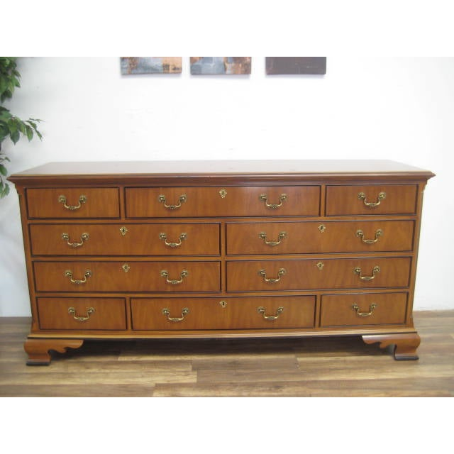 Queen Anne Style 10-Drawer Dresser by Drexel - Image 4 of 11