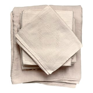 """1920s French """"Blush"""" Dinner Napkins W/ Tablecloth, 13 Pieces For Sale"""