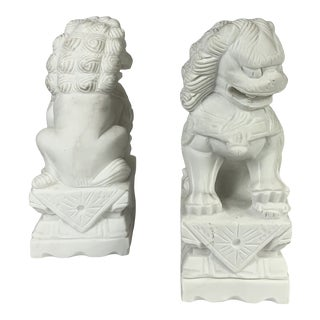 Early 20th Century White Marble Foo Dogs - a Pair For Sale