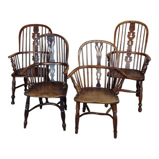 19th Century Antique English Bow Back Windsor Chairs - Set of 4 For Sale