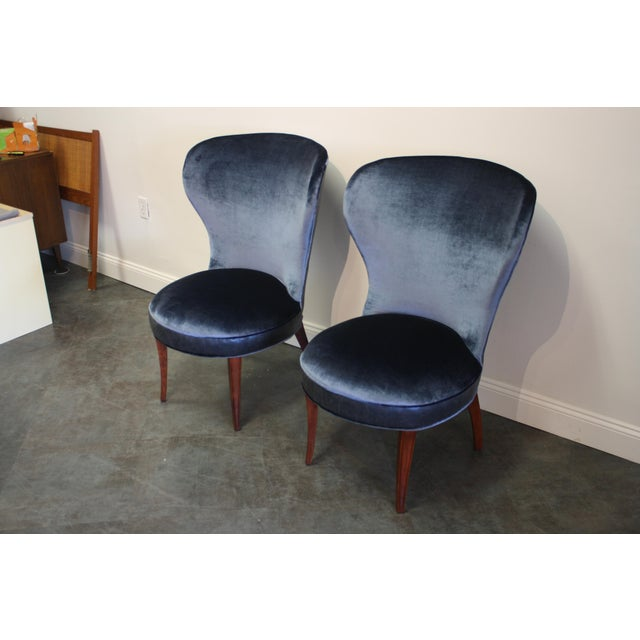Mid-20th Century Art Deco Midnight Blue Velvet Slipper Chairs - a Pair - Image 6 of 9