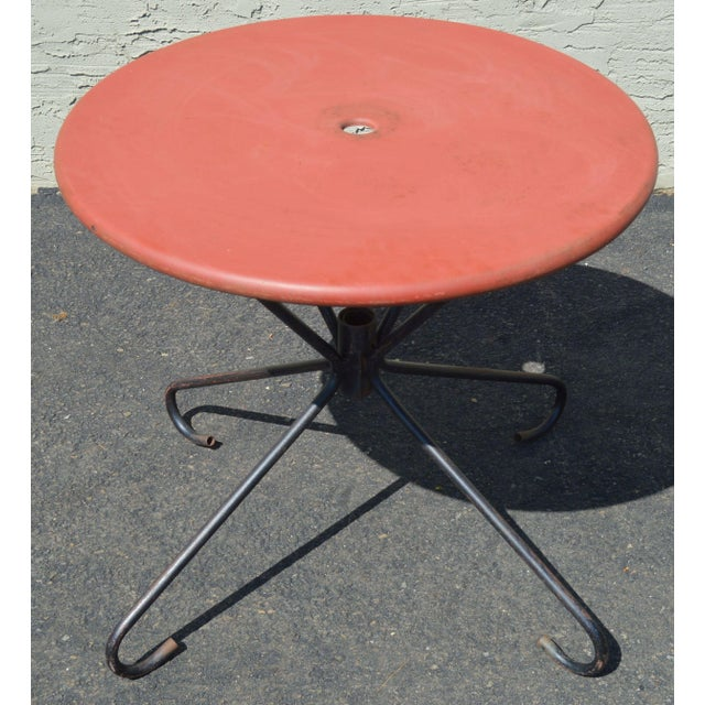 Black Art Deco Style Vintage Clamshell Set 4 Metal Lawn Chairs and Table Patio Set For Sale - Image 8 of 13