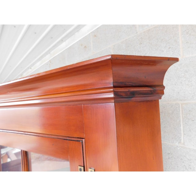 Wood Henkel Harris Chippendale Style Pine 9 Pane Corner Cabinet For Sale - Image 7 of 13