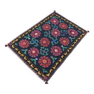 Antique Red & Green Floral Pattern Suzani Textile For Sale