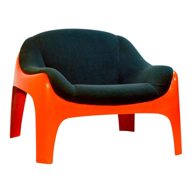 Iconic Mid -Century Design Italian Fiberglass Lounge Chair by Sergio Mazza for Artemide, 1960s For Sale