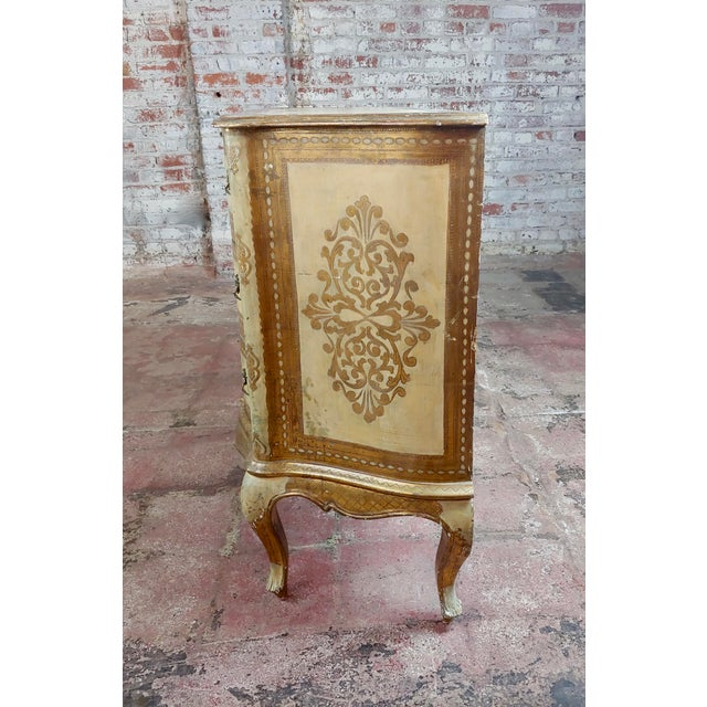 1940s Beautiful Italian Florentine Gilt Chest of Drawers Commode For Sale - Image 5 of 10